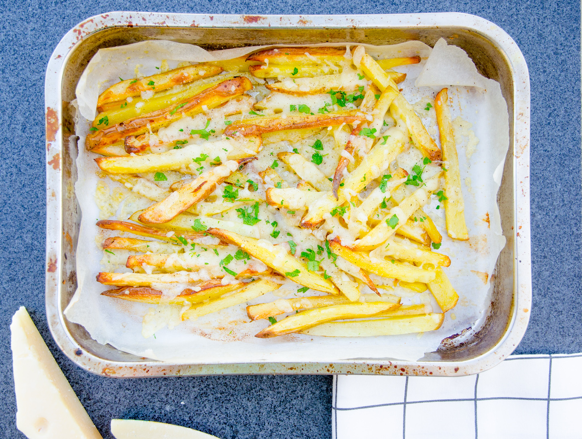 Pommes frites med parmesan - Cheesy fries