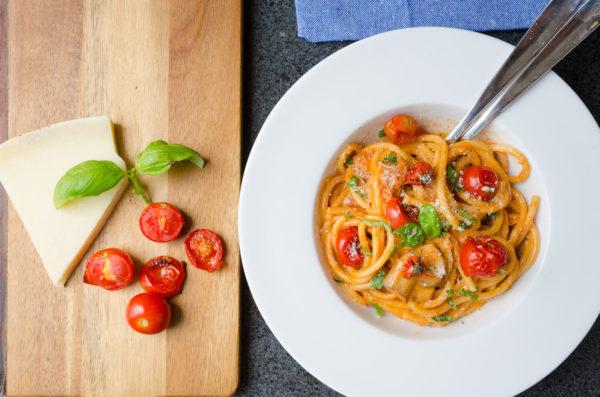 Pasta i gräddig tomatsås